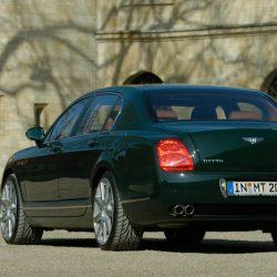 Bentleylinkshinten3